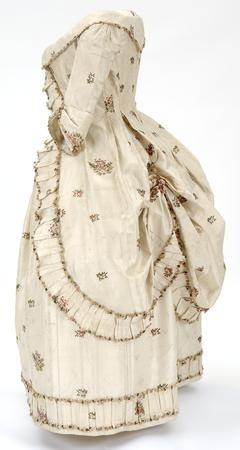 http://www.metmuseum.org/;Galliera,Robe a la Polonaise, 1780-1; Kelvingrove Art Gallery and Museum, Glasgow, MET