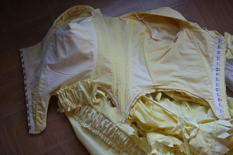 tuto: robe anglaise retroussée à la polonaise partie IX (Les crochets)