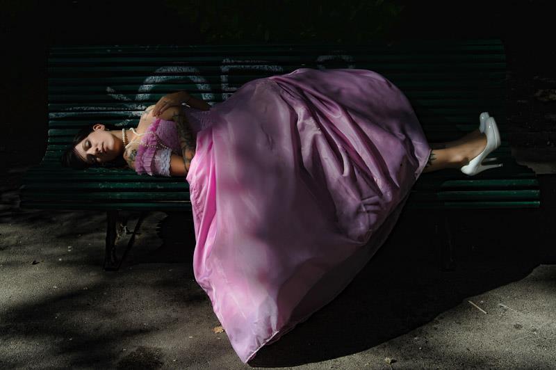 .. et dans un sommeil infini, cendrillon voit finir sa vie .. –