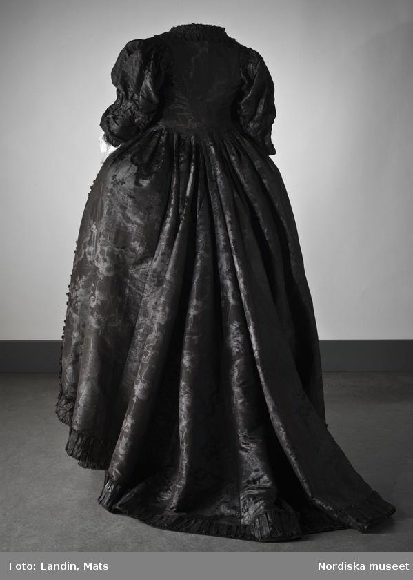 Le costume national suédois 1780(Nationella dräkten): images et recherches