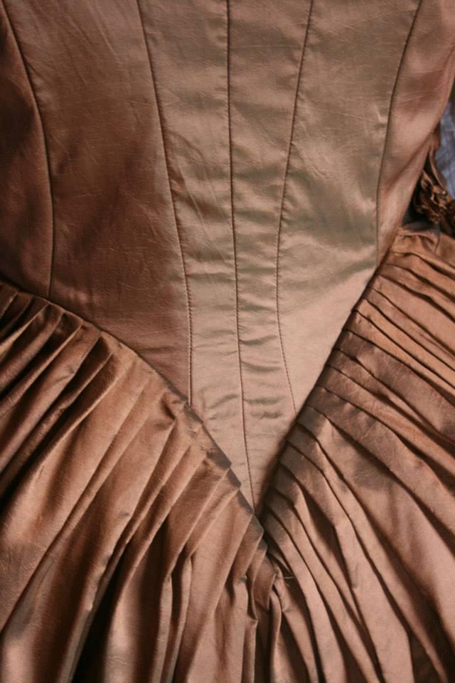 dos de  ma version de la robe à la turque 1780