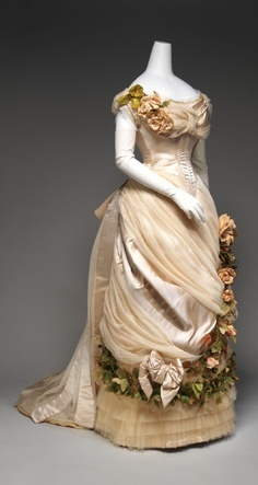 projet:  Robe 1878/1879 Natural form