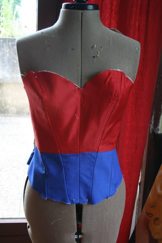 Le projet wonder woman:  le corset