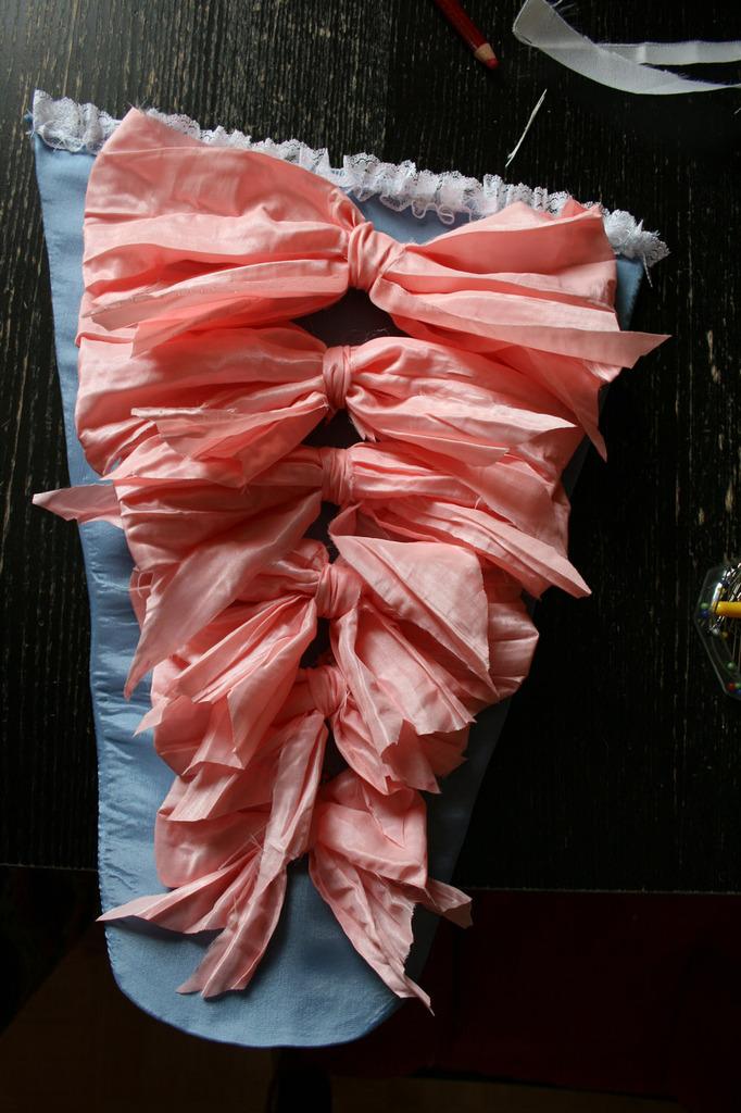 Le projet robe à la française: la pièce d'estomac