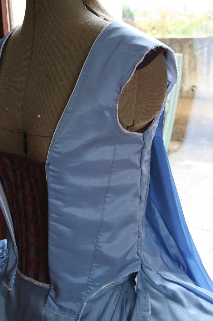 Projet robe à la française: le manteau partie avant