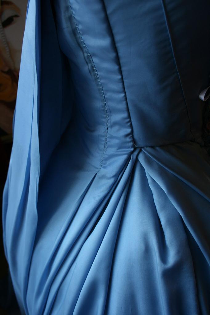 Le projet robe à la française: les plis coté