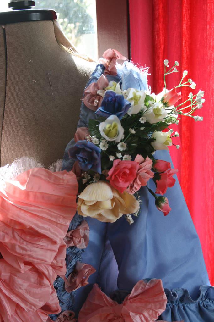 Robe à la française: la décoration