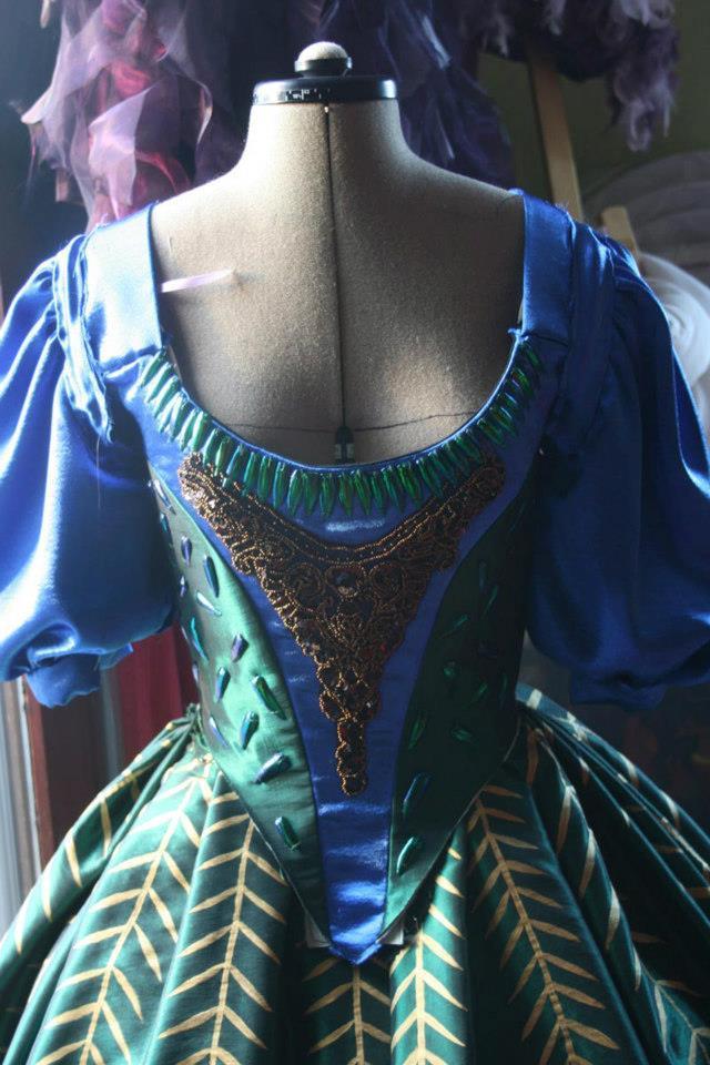 Projet:La robe D'Héra: le corsage et sa décoration