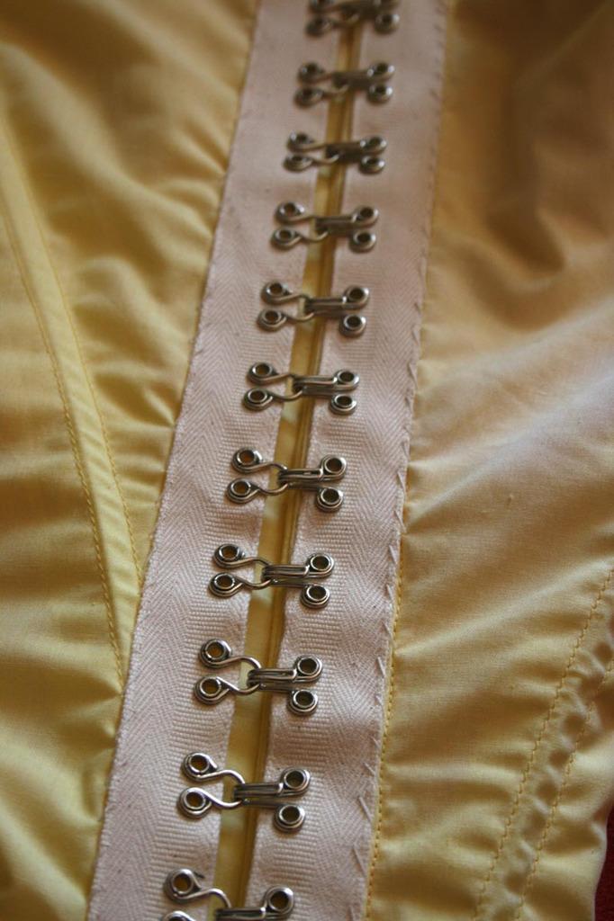 Robe Anglaise retroussée à la polonaise XVIIIE