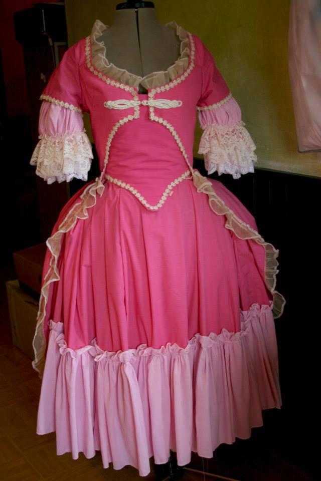 projet: Robe circassienne 1780: la décoration du manteau