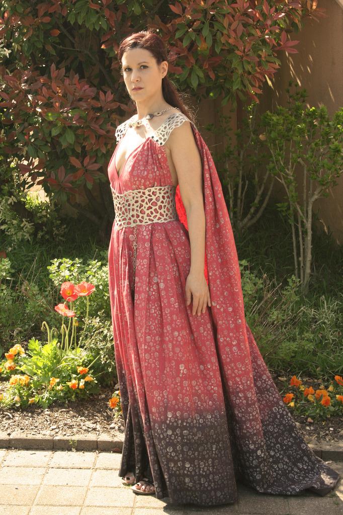 La robe daenerys GOT khaleesi pour brune le shooting