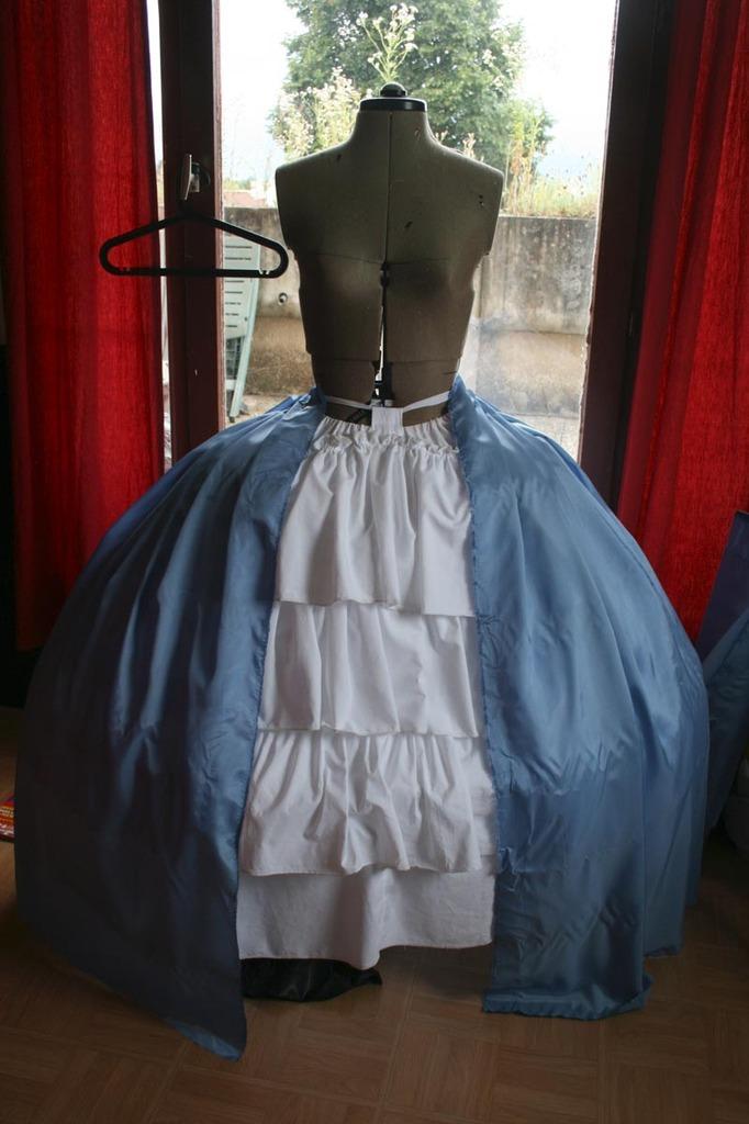 Projet: robe à la française: réalisation du jupon